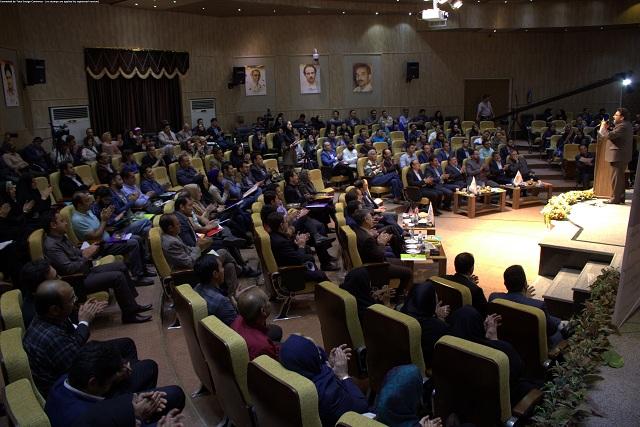 جشنواره تجلیل از کارآفرینان در حوزه کسب و کارهای خرد و کوچک در پارک علم و فناوری قزوین برگزار شد