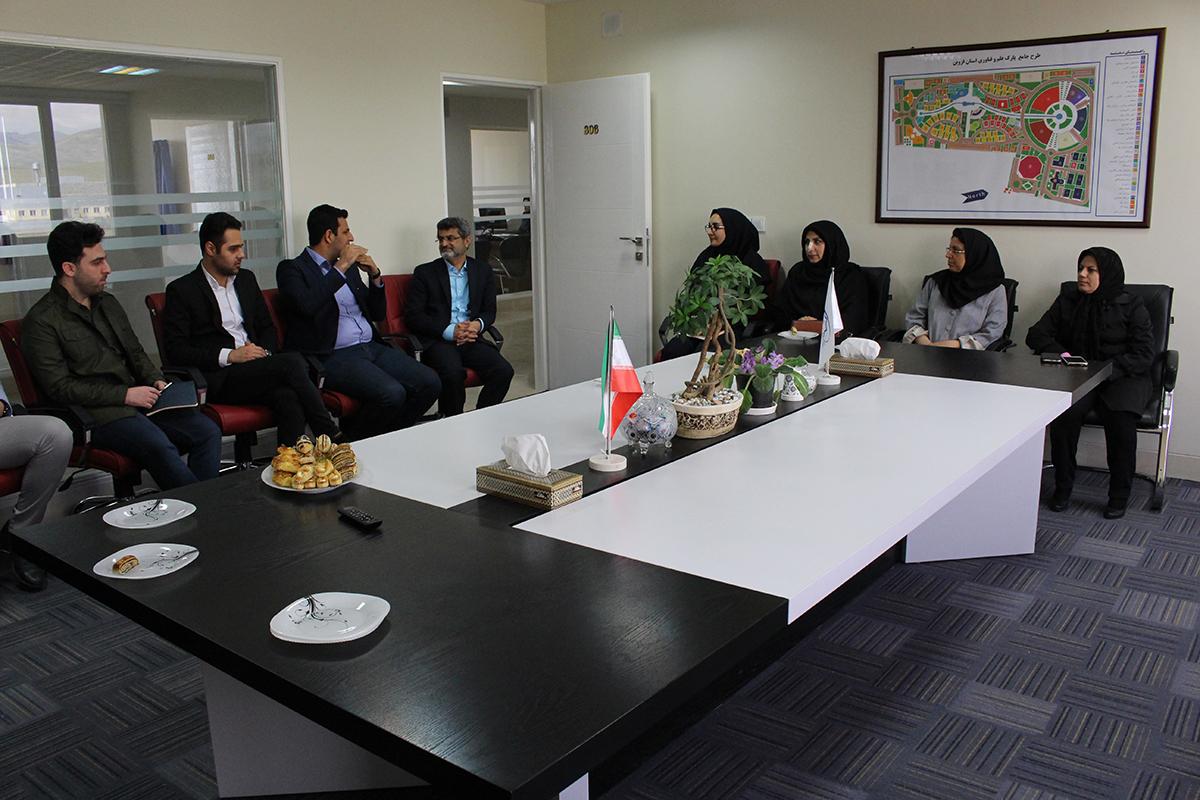 دیدار نوروزی رئیس و مدیران پارک علم و فناوری قزوین با مدیران عامل واحدهای فناور مستقر